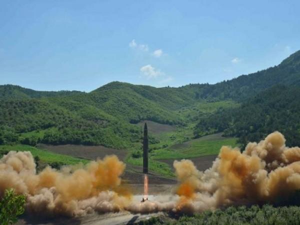 Hình ảnh tên lửa Hwasong-14 của Triều Tiên