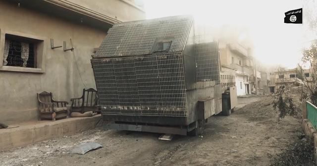 Muôn hình vạn trạng các loại vũ khí tự chế quái dị của IS ảnh 11