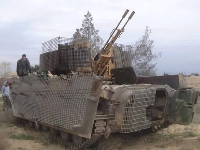 Muôn hình vạn trạng các loại vũ khí tự chế quái dị của IS ảnh 2