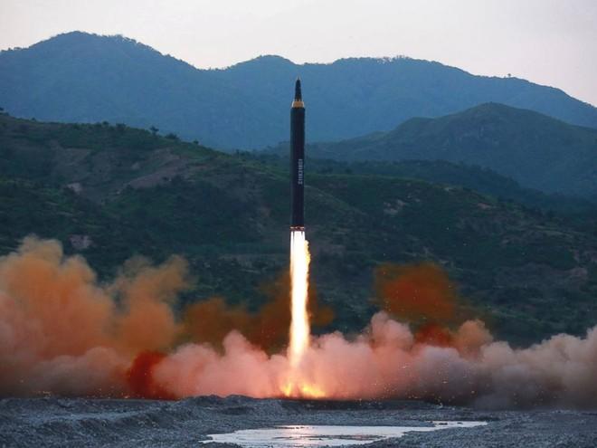 Triều Tiên liệu có phóng tên lửa đạn đạo đúng dịp Tổng thống Trump thăm Hàn Quốc?