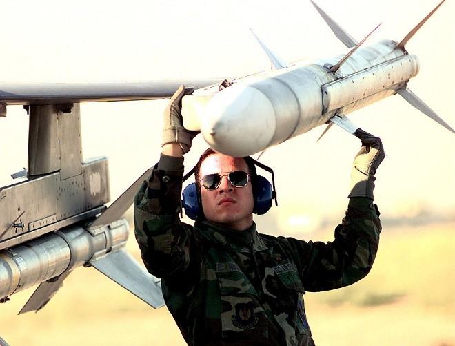 """Hé lộ tên lửa không đối không mới của Mỹ thay thế """"sát thủ"""" AIM-120 ảnh 7"""