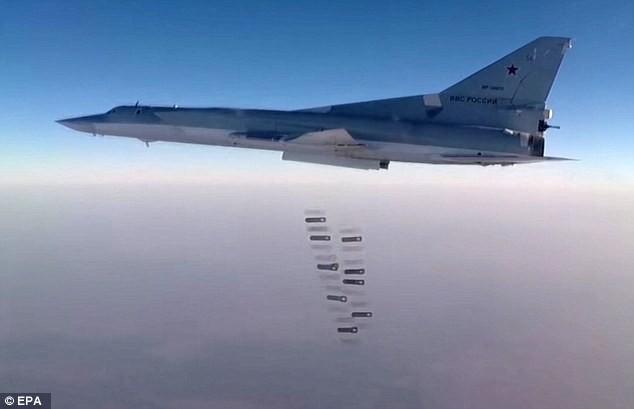 Máy bay Nga tiếp tục dội bom khủng bố nhằm tái chiếm Abu Kamal