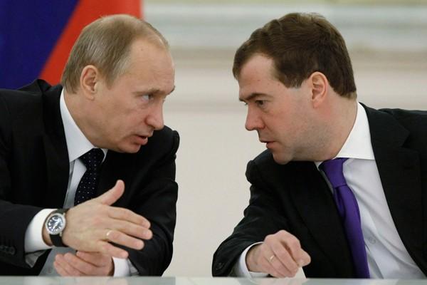 Tổng thống Putin và Thủ tướng Medvedev đều chưa xác nhận việc tham gia tranh cử