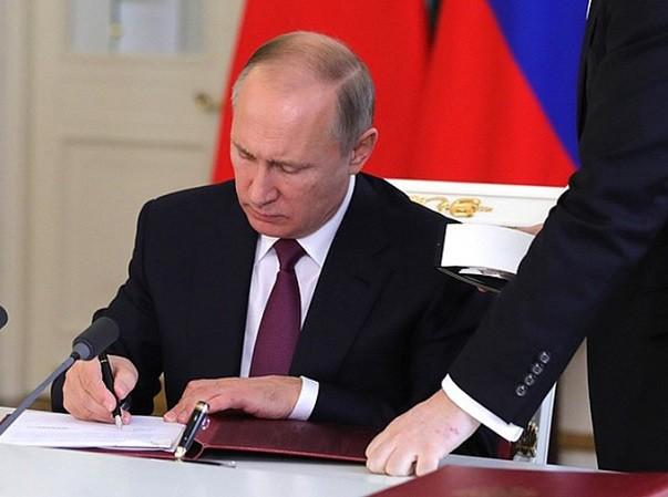 Tổng thống Putin đang cân nhắc biện pháp đáp trả vào truyền thông Mỹ