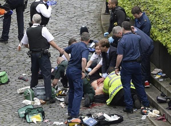 Riêng trong đêm giao thừa, London đã có 4 người thiệt mạng do bị tấn công bằng dao