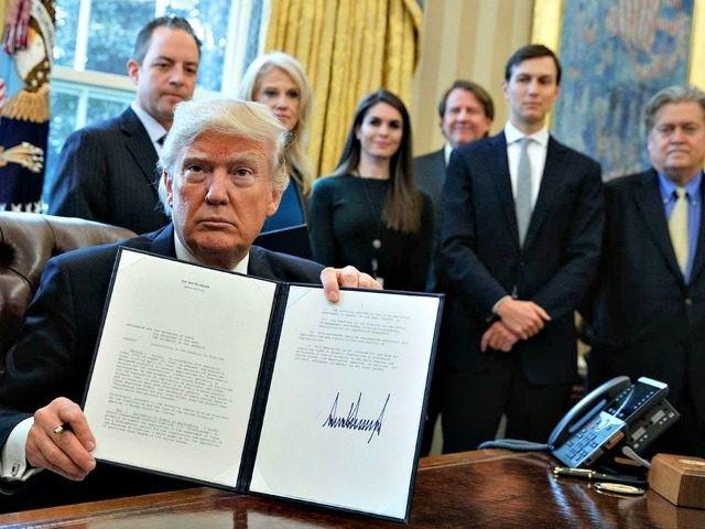 Tổng thống Trump đang nỗ lực đàm phán để có thêm ngân sách hoạt động cho chính phủ