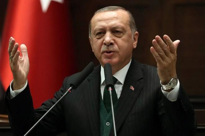 Tổng thống Erdogan chỉ trích Pháp mạnh mẽ vì hỗ trợ cho SDF