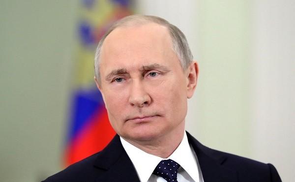 Tổng thống Putin coi vụ không kích của Mỹ là hỗ trợ cho khủng bố