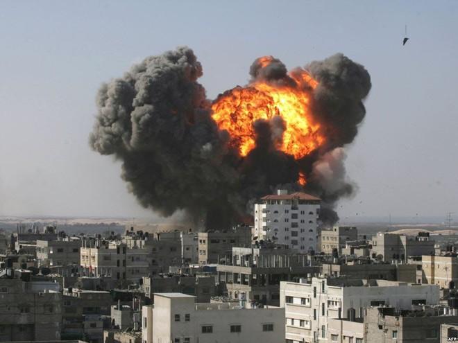 Giao tranh giữa quân đội Syria và phe đối lập đang diễn ra ở Homs và Hama