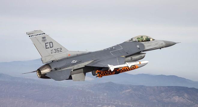 JSM sẽ được thử nghiệm trên F-16 trước khi đưa lên F-35