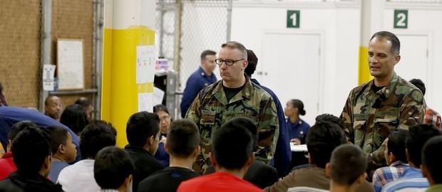 Hàng chục nghìn trẻ em và có thể là gia đình nhập cư trái phép sẽ ở lại căn cứ quân sự Mỹ
