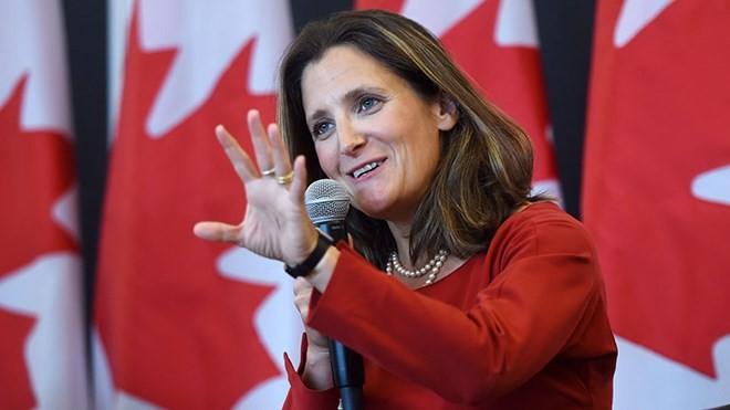 Canada đáp trả thẳng tay thuế quan từ Mỹ