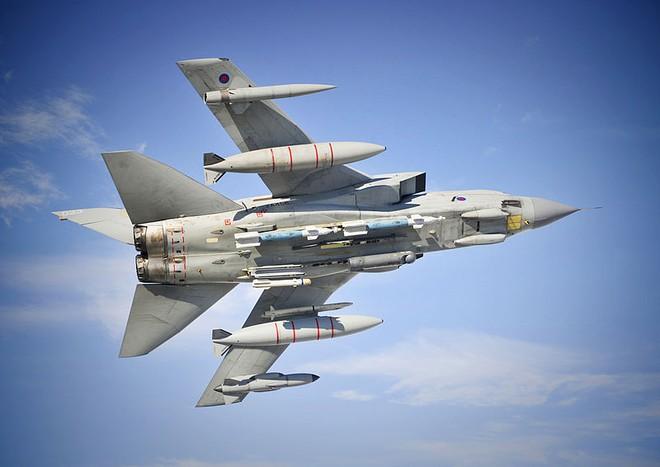 Máy bay của Anh đã ném bom để bảo vệ đồng minh ở Syria