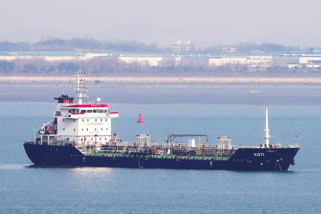 Mỹ cho rằng, Triều Tiên nhập khẩu nhiều xăng dầu trái phép qua các giao dịch trên biển