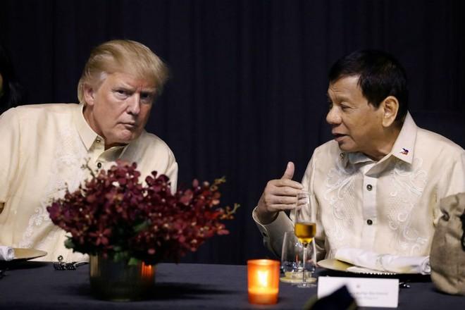 Mỹ có thể sẽ phải trừng phạt đồng minh Philippines