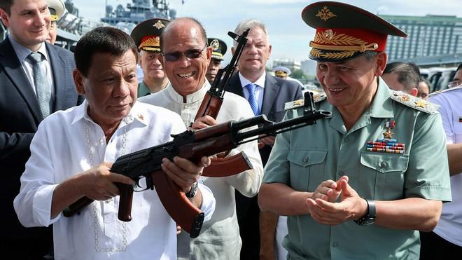 Philippines vẫn sẽ mua vũ khí Nga bất chấp sức ép từ Mỹ