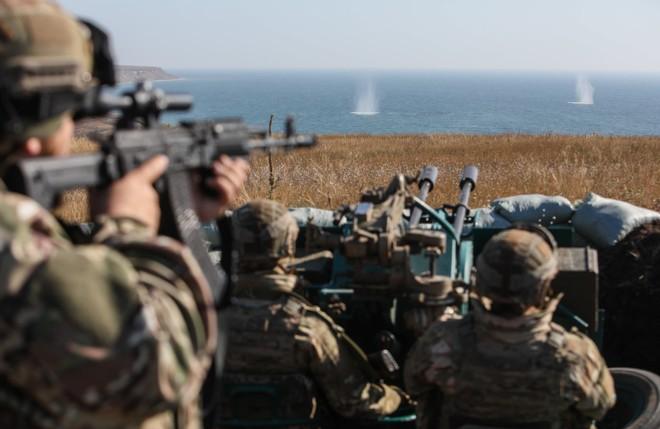 Ukraine ra sức tập trận đề phòng xung đột với Nga