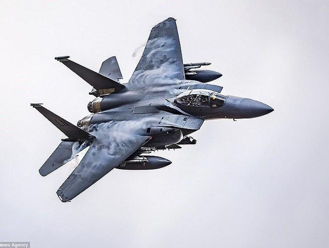 Tiêm kích F-15X sẽ được cải thiện mạnh mẽ về khả năng mang vũ khí và điện tử hàng không