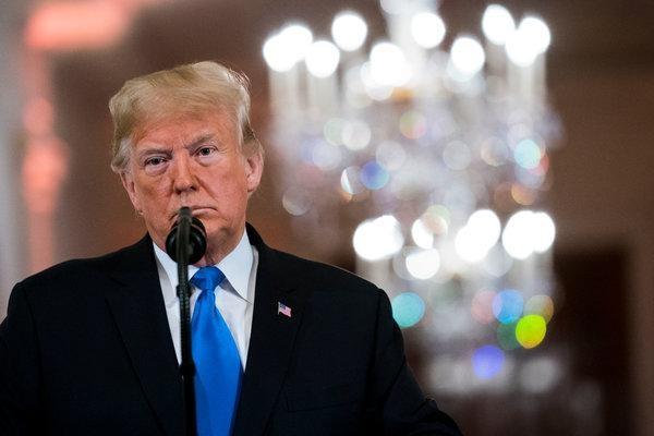 Tổng thống Trump quyết tâm ngăn căn đồ điện tử Trung Quốc sử dụng tại Mỹ