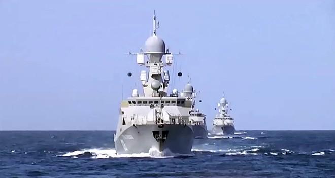 Biển Caspian được vây quanh bởi lãnh thổ 5 nước trong đó có Nga và Iran