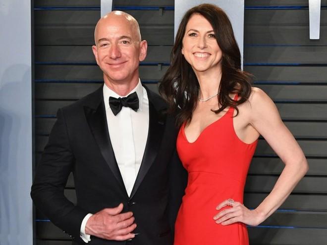 Ông Jeff Bezos và vợ Mackenzie đã ly hôn nhưng vẫn sẽ hợp tác trong các dự án kinh doanh