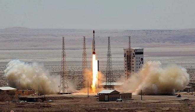 Iran kiên quyết phóng tên lửa lên không gian