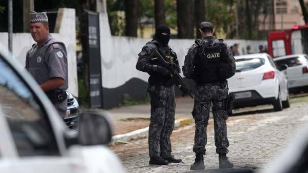 Cảnh sát đã phong tỏa hiện trường sau khi xảy ra vụ xả súng