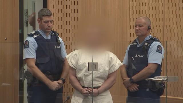 Nghi phạm Tarrant xuất hiện trước tòa