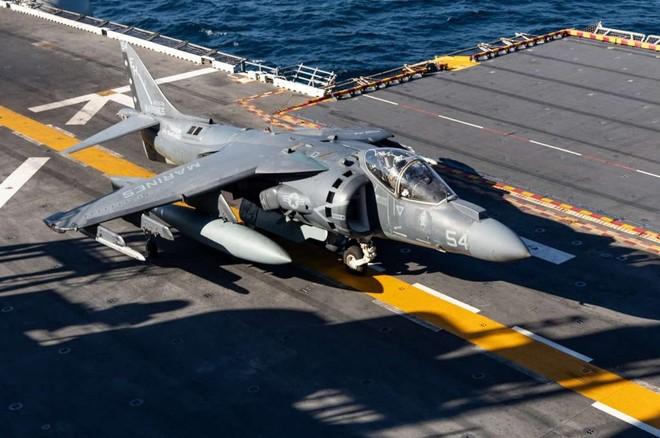 AV-8B Harrier II là loại máy bay kì cựu của lính thủy đánh bộ Mỹ