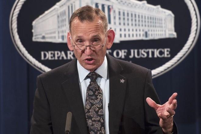 Ông Alles vẫn tại Mỹ nhưng đã bị đề nghị từ chức
