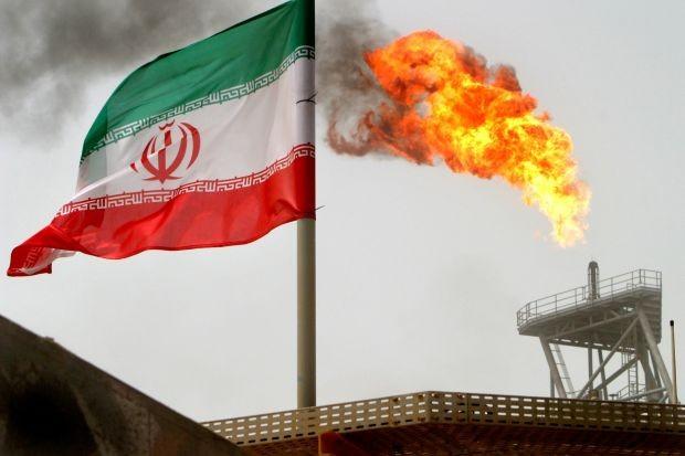 Mỹ sẽ không nhượng bộ với bất kì quốc gia nào mua dầu mỏ của Iran