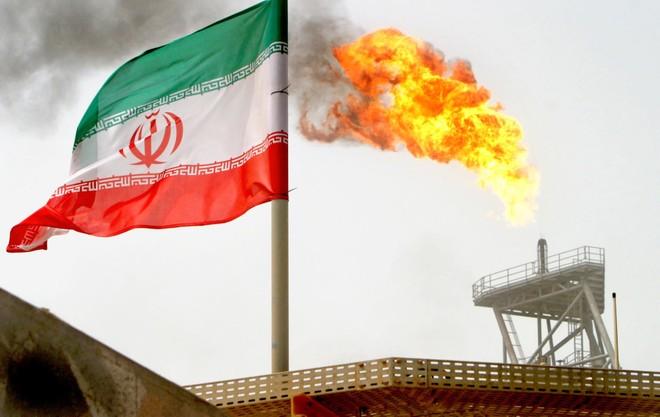 Mỹ quyết đưa sản lượng xuất khẩu dầu mỏ của Iran về không