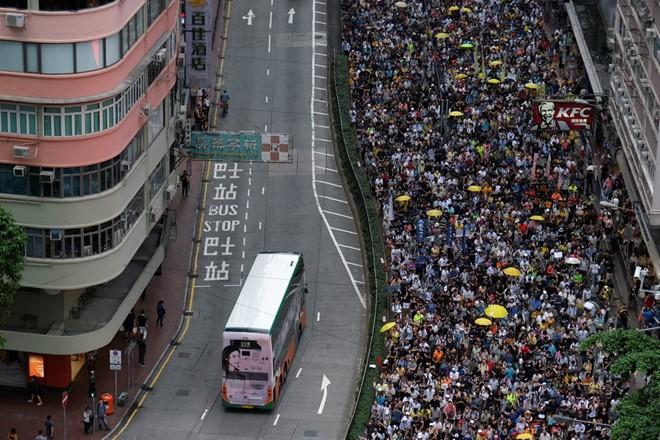 Hàng chục nghìn người Hong Kong đã biểu tình vào hôm 28-4