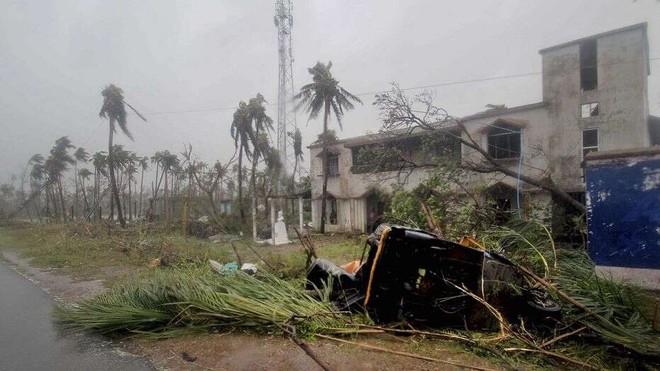 Cơn lốc Fani đã khiến ít nhất 33 người Ấn Độ thiệt mạng