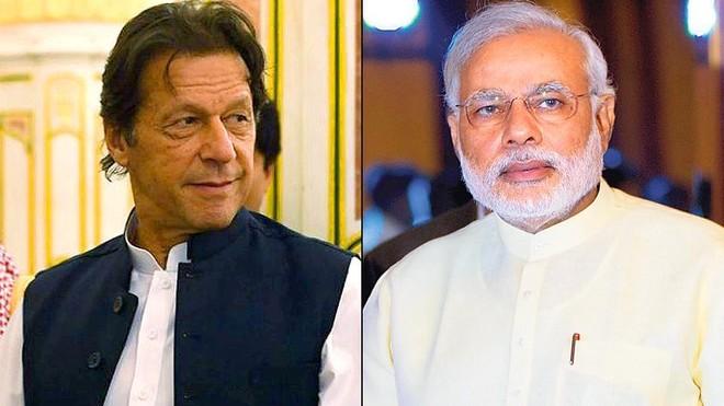 Thủ tướng Pakistan và Ấn Độ (phải) đều bày tỏ thái độ thân thiện trong cuộc điện đàm