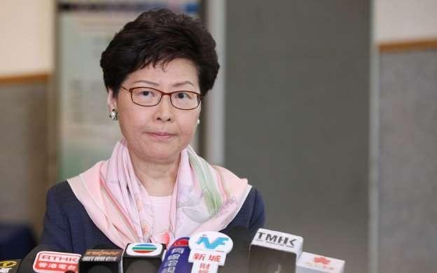 Bà Carrie Lam đã hoãn vô thời hạn dự luật dẫn độ