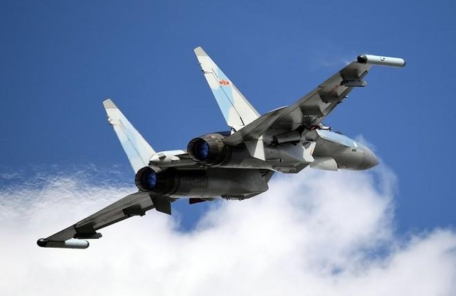 Trung Quốc đã mua 24 tiêm kích Su-35 từ Nga