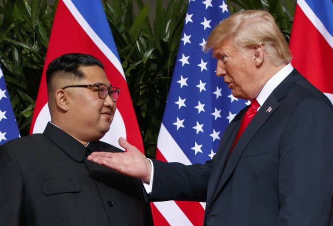 Tổng thống Donald Trump sẽ bắt tay ông Kim Jong-un ở khu phi quân sự