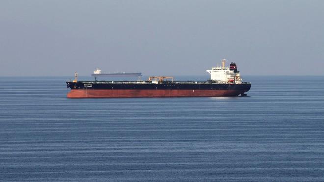 Tàu chở dầu của Anh giờ phải có chiến hạm hộ tống khi đi qua eo biển Hormuz