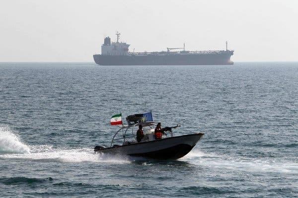 Iran tuyên bố cứng rắn với sự hiện diện của lực lượng nước ngoài ở vùng Vịnh