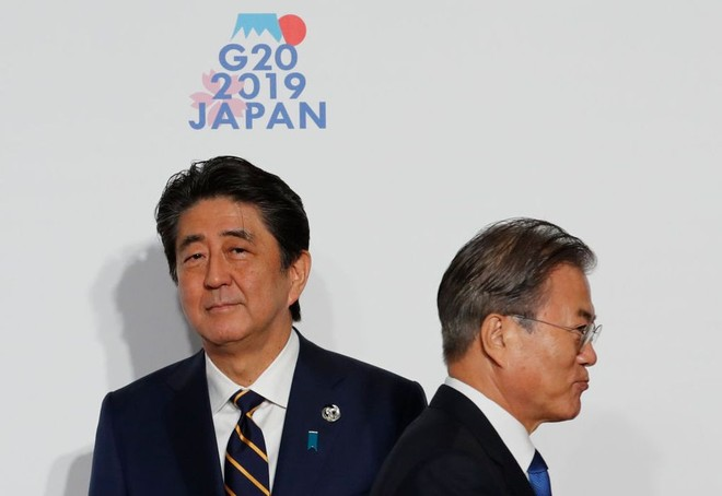 Nhật Bản và Hàn Quốc đã leo thang căng thẳng thương mại sang lĩnh vực an ninh
