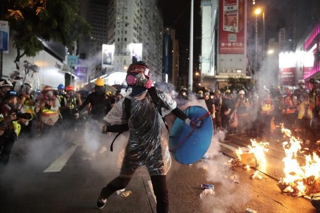 Cảnh sát Hong Kong đã phải dùng biện pháp mạnh để trấn áp người biểu tình