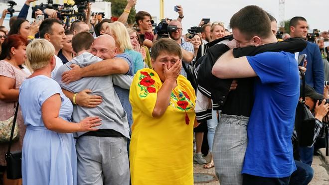 Trao đổi tù binh được cho là bước đầu tiên trong bình thường hóa quan hệ Nga - Ukraine