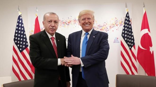 Tổng thống Donald Trump bất ngờ khen ngợi Thổ Nhĩ Kỳ