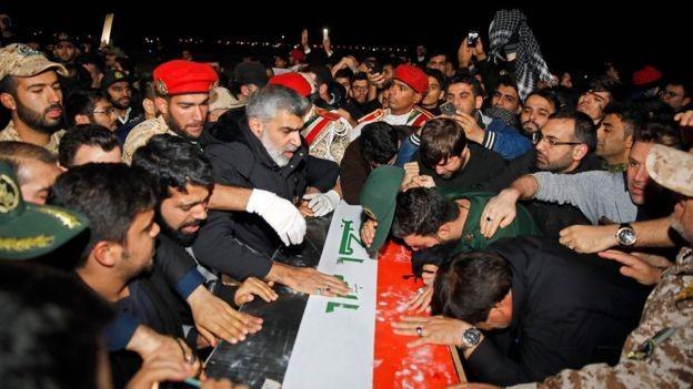 Quan tài của ông Soleimani đã được đưa về Iran