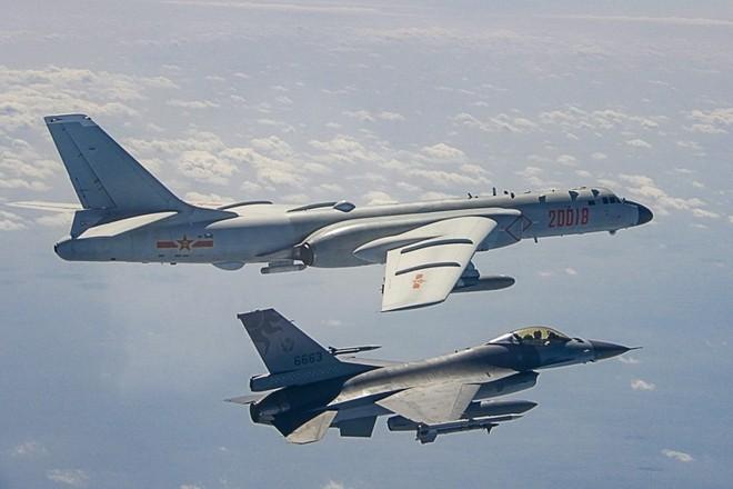 Trung Quốc liên tiếp triển khai máy bay xuất hiện gần Đài Loan