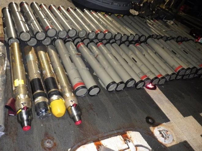 Hải quân Mỹ tịch thu số lượng lớn vũ khí do Iran sản xuất ảnh 1