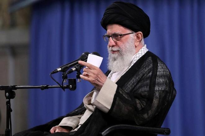 Lãnh đạo tối cao Iran cho rằng, kẻ thù đã cố gắng can thiệp bầu cử bằng Covid-19