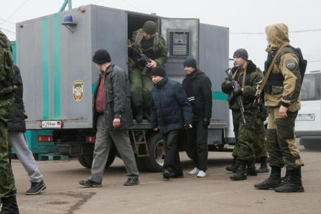 Việc trao đổi tù binh là biện pháp dọn đường cho thỏa thuận hòa bình miền Đông Ukraine