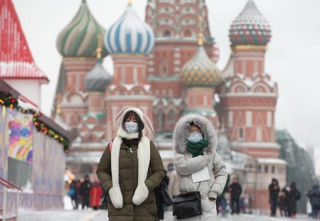 Nga ra quy định nghiêm ngặt đối với những trường hợp phải cách ly vì Covid-19
